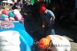 Pemkot Gunungsitoli tertibkan pedagang pasar Soliga