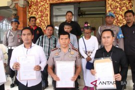 Tersangka korupsi hibah APBD Denpasar 2016 tidak ditahan