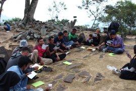 Dosen UI kembangkan pariwisata di Gunung Padang