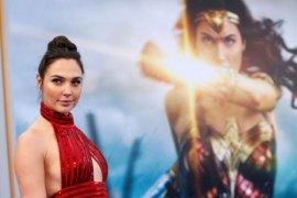 """Penayangan Perdana """"Wonder Woman 1984"""" Diundur ke 2020"""