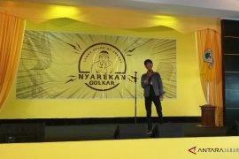 """""""Nyarekan Golkar""""  Stand Up Comedy untuk mengkritik parpol-elite politik"""