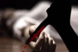 Istri dan anak ke gereja, Ama Jefri tewas bersimbah darah di rumah