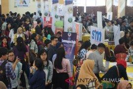 Ribuan pencari kerja ramaikan Unhar Job Fair 2018