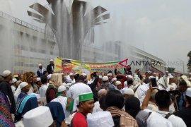 Masjid Agung dikepung karaoke, berbagai eleman masyarakat somasi pemilik