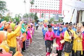 Festival arakan pengantin meriahkan HUT Kota Pontianak ke-247