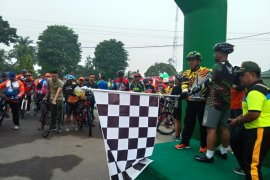 "Korem 042 gelar ""fun bike"" meriahkan HUT TNI"