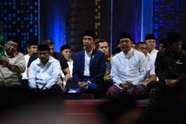 Jokowi ajak santri pertegas rasa persatuan