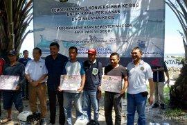 92 nelayan Singkawang diberikan bantuan paket konverter kit