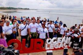 Kementerian Kelautan dan Coca-Cola Amatil dukung Gerakan Bersih Pantai dan Laut