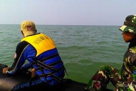 Tim gabungan menyisir pantai gunakan perahu karet
