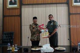 Bertemu Pangdam Sriwijaya, Gubernur Bengkulu tingkatkan kerjasama kesiagaan bencana