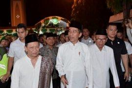 Presiden Jokowi silaturahmi di Ponpes Girikesumo