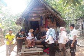 SBC dan pemerintah kecamatan Paringin Selatan salurkan Bansos