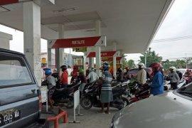 Jokowi batalkan kenaikan harga Premium karena pikirkan rakyat kecil