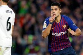 Barca menang telak 5-1 di El Clasico, Suarez hattrick