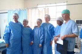 Warga Ambon jalani operasi urologi gratis