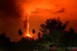 Kementerian ESDM: Peningkatan Aktivitas Gunung Soputan Bukan Akibat Gempa Palu