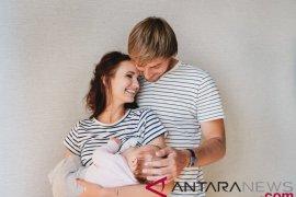 Menkes: Kaum ayah dukung program ASI dengan membahagiakan ibu