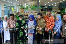Pasarkan Produk UMKM, FamilyMart Buka Gerai di Smesco