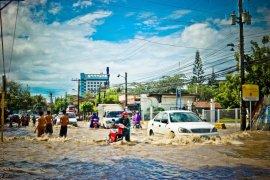 Permasalahan banjir tidak hanya dari hulu