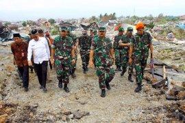 Panglima TNI tinjau lokasi terparah dampak gempa dan likuifaksi