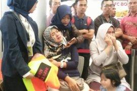 Keluarga Pilot Lion Air Datangi Pos Ante Mortem