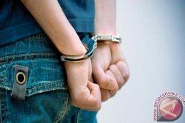 Jelang HUT, Umar Kei ditangkap polisi