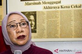 Polisi periksa Atiqah Hasiholan, ada apa?