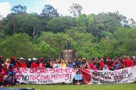Masyarakat tanda tangan petisi tolak izin tambang batu bara