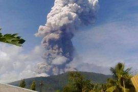Gunung Soputan di Minahasa Meletus Tiga Kali