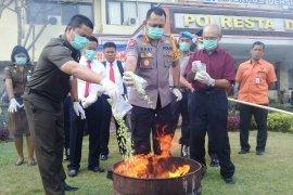 Polresta Denpasar musnahkan 900 gram sabu dan 3.000 ekstasi