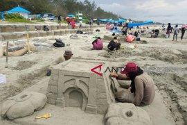 Menyaksikan uniknya lomba patung pasir di Pantai Bengkulu