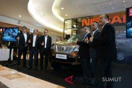 Nissan Terra penantang Fortuner dan Pajero diperkenalkan di Medan.