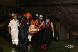 Evakuasi ABK Cina di perairan Aceh