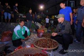 Wali Kota Bogor turun ke pasar sepulang umrah