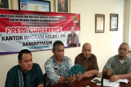 Banjarmasin cancels six migrant workers' passports