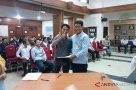 Pengelola Tol Jakarta-Cikampek salurkan dana kemitraan Rp1,3 miliar
