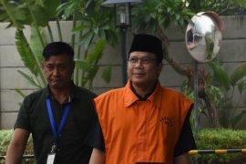 KPK perpanjang penahanan Taufik Kurniawan