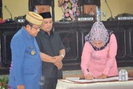 Penandatanganan Nota Pengantar R-APBD Gorontalo Utara Tahun 2019