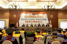 Stkom Sapta Computer Indonesia gelar wisuda ke-1 85 lulusannya