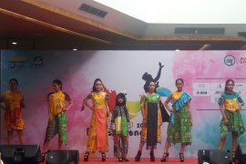 Desainer fashion Bekasi ikuti kontes busana internasional di Lebanon