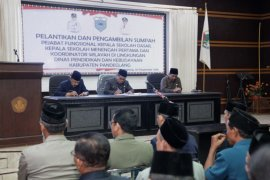 Pelantikan kepala sekolah dan korwil pendidikan di Pandeglang