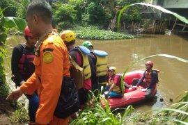 Jasad Anak Hanyut di Sungai Amprong Kota Malang Ditemukan