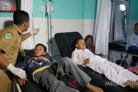 Puluhan pelajar SD di Sukabumi diduga keracunan