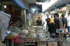 Awas, makanan kedaluarsa jelang Natal dan Tahun Baru di Sukabumi