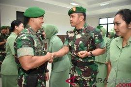 Kepala staf TNI AD terima laporan kenaikan pangkat 18 perwira tinggi