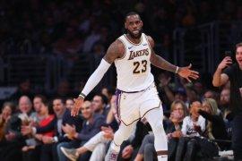 LeBron James pimpin Lakers tundukkan Suns