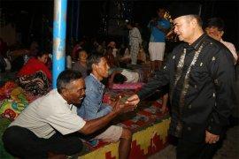 600 Kg Daging Rendang Padang Untuk Korban dan Pengungsi Tsunami Lampung