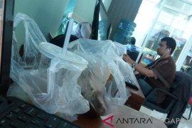Bekasi anjurkan kantong kemasan berbahan nabati mulai 2019