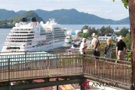 Dua kapal pesiar asing sandar di Sabang